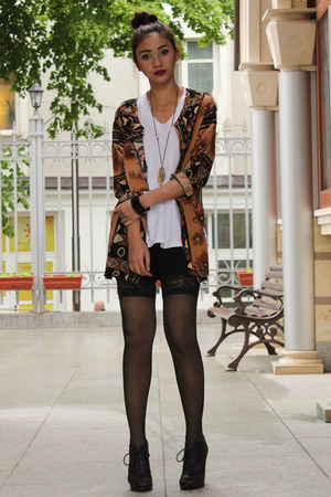 black lace up figliarina shoes - white v-neck Hanes shirt - black thigh-high Dei