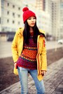 Sky-blue-pull-bear-jeans-red-zara-hat-red-zara-sweater-navy-zara-sneakers