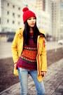 Sky-blue-pull-bear-jeans-red-zara-hat-red-zara-sweater-navy-zara-sneakers