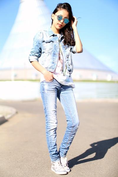Light Blue Zara Jackets, Light Blue Pull&Bear Jeans, White ...