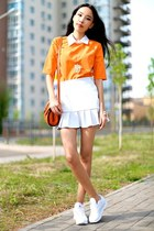 orange Bloosand top - white Reebok sneakers - mustard titiMadam necklace
