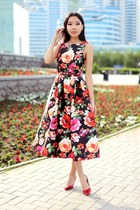 black Chicwish dress
