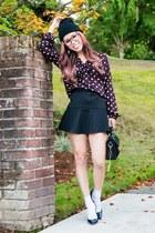 crimson heart print Loft blouse - black beanie targe hat