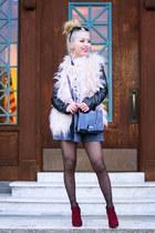 light pink faux fur Tobi vest - crimson Forever 21 boots