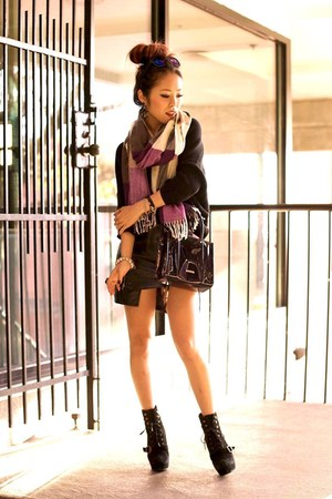black Steve Madden boots - black Express sweater - purple plaid Gap scarf
