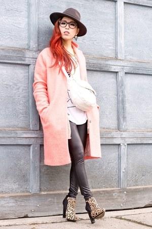 charcoal gray fedora H&M hat - camel leopard print Aldo boots
