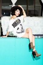 tan leopard print Aldo boots - heather gray fedora H&M hat