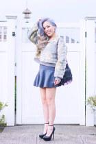 heather gray Fevrie sweater - black fringe thrifted bag