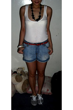 Topshop top - Zara shorts - Dorothy Perkins belt - Dept Store shoes