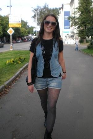 silver Mango glasses - sky blue Topshop vest - black Zara t-shirt - silver reser