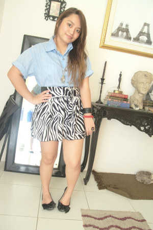 white zebra print skirt - light blue vintage blouse - black lace Celine flats