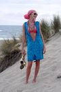 Blue-vintage-dress-orange-necklace-pink-swimwear