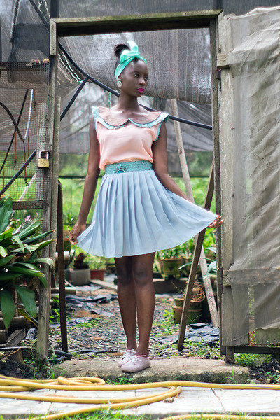 neutral Ajepomaa Gallery top - silver Ajepomaa Gallery skirt