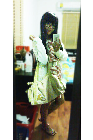 pink no brand dress - eggshell Tototro bag - white easy pieces cardigan