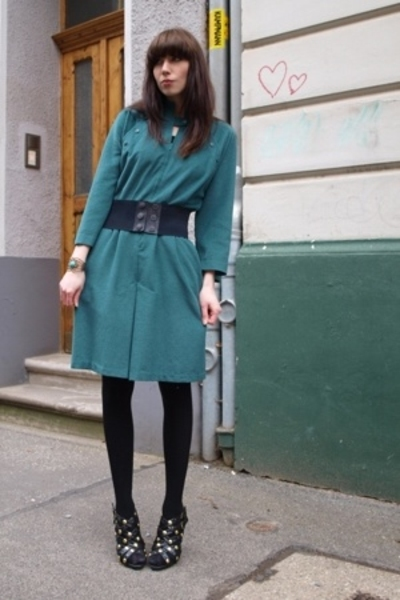 green vintage dress - black Primark shoes - black wool knit H&M tights