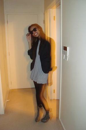 black vintage blazer - black rubi tights - green Ebay boots - silver Valley Girl
