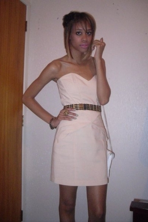 beige Sportsgirl dress - white Dotti accessories