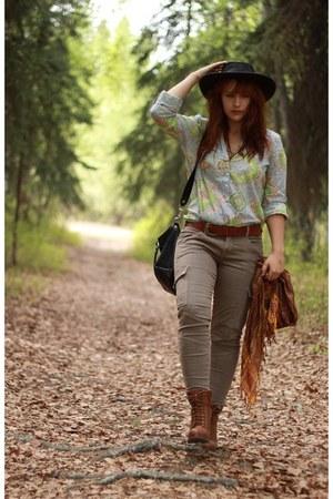 black hat - tawny seychelles boots - camel JBrand jeans - black coach bag