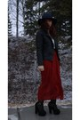 Crimson-thrifted-skirt-navy-american-eagle-outfitters-hat