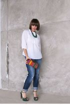 white banana republic blouse - blue abercrombie and fitch jeans - green Gucci sh