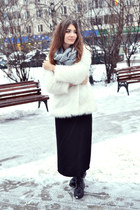 white faux fur OASAP coat - heather gray knit OASAP scarf
