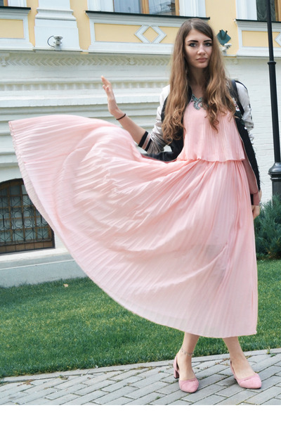 light pink pleated GAMISS dress - light pink suede GAMISS shoes