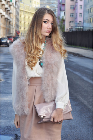 light pink feathers Zara vest - peach H&M skirt
