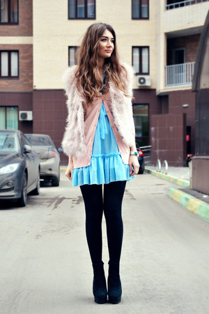 light pink feather Zara vest