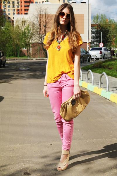 bubble gum Zara jeans - eggshell River Island heels