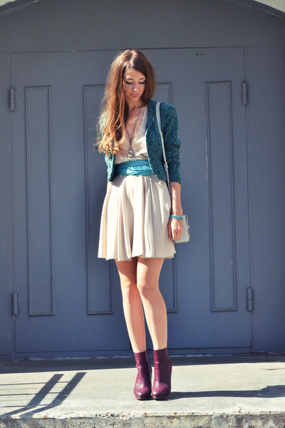 cream Love dress