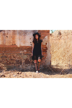 black crochet united colors of benetton dress - black black Primark hat