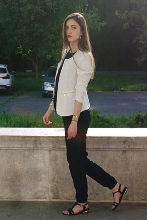 black New Yorker pants - white New Yorker blazer - black Stradivarius top