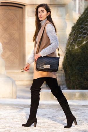 black CCC boots - black Zara jeans - black New Yorker sunglasses