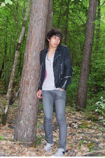 Sunday forest.