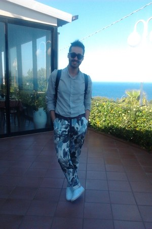 CJ shirt - Super sunglasses - CJ pants