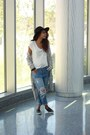 Black-comfy-topshop-shoes-blue-distressed-spicy-avenue-jeans