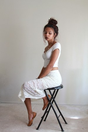 white crop top Arden B top - off white lace Lily White skirt