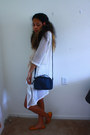 Black-mini-purse-target-bag-nude-crop-top-charlotte-russe-shirt-white-shorts