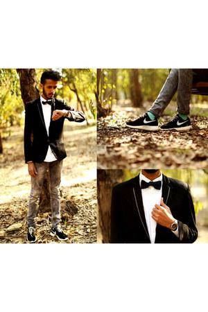 Zara jeans - Massimo Dutti blazer - Zara shirt - nike sneakers - Jule tie