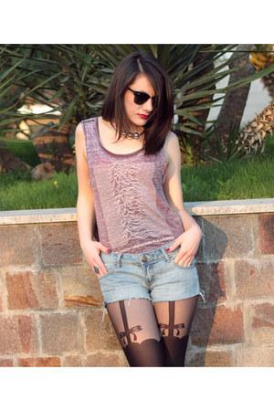 Accessorize tights - Ann Christine shorts - H&M necklace - H&M t-shirt
