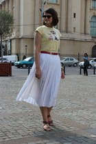 red vintage belt - white vintage skirt - light yellow random brand t-shirt - bro