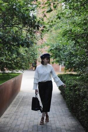 black beret hat - white zaful blouse