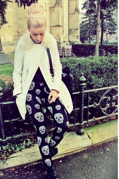 black leather Bershka boots - beige faux fur H&M coat - black skull H&M leggings