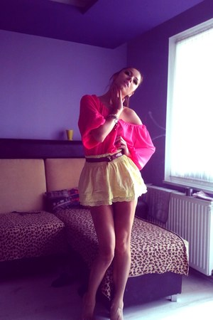 hot pink chicffon H&M top - light yellow ruffle summery random skirt - dark brow