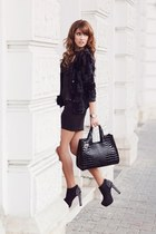 black IQ Shop look dress - gray patent leather IQ Shop bag