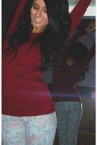pink Berhska jeans - red Gap blouse