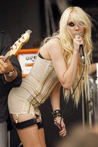 The Absolute Rocker-Chic: Taylor Momsen