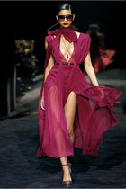 Trend Alert: Burgundy@Gucci Fall 2011