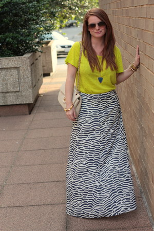 Old Navy skirt - Francescas Collections bag - Jcrew t-shirt