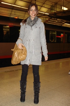 New Yorker coat - Stradivarius scarf - fridays proyect purse - Stradivarius pant